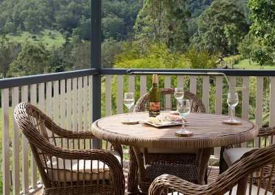 greenlee-cottages-scenic-rim-accommodation-view-deck